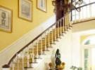 Tranh treo trên cầu thang, hành lang