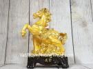 Vua ngựa vàng trên núi đá vàng LN132