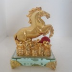 ngua nho 01 150x150 Ngựa trên đế thủy tinh Y354