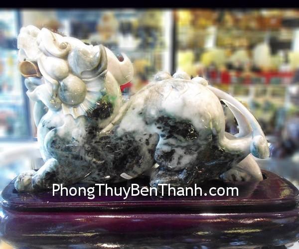 ty huu phi thuy 185 02 Natural Feng shui Jadeite Pi Yao   THL 11 03