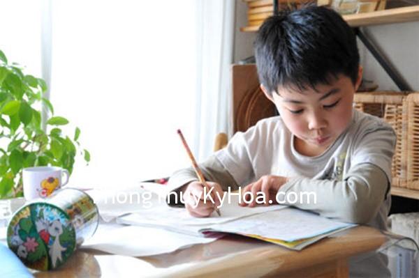 67c1aff894am hoc.jpg Khi con tôi không chịu học phải làm sao ?