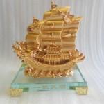 H453G Thuyen buom nho 150x150 Thuyền buồm vàng nhỏ H453G